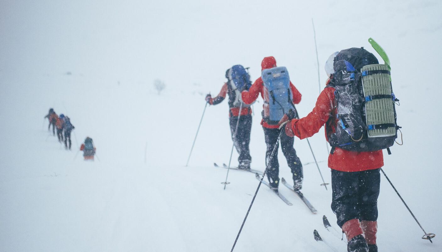 KREVER MER: Vinterfjellet krever mer av deg enn sommerturen. Husk å pakke med deg nødvendig utstyr!
