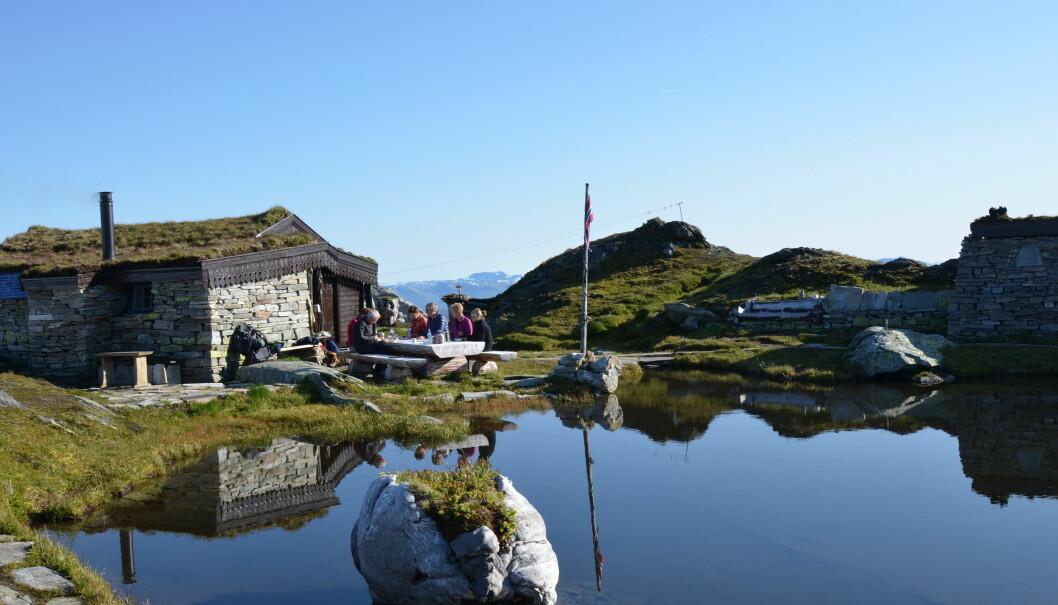 UNIK HYTTEOPPLEVELSE: Breidablik ligger 1162 moh. i nydelige fjellomgivelser.