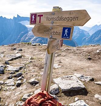 GODT SKILTET: Det er greit å finne veien over Romsdalseggen.
