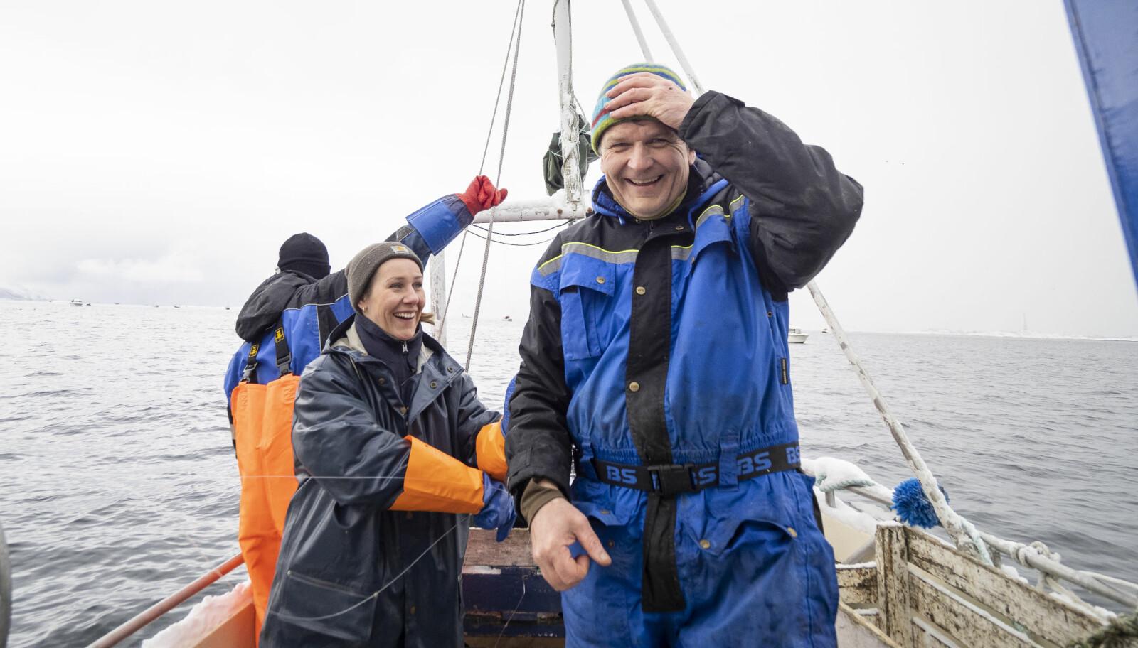 FISKELYKKE: Odd-Arne Sandberg blir lykkelig av å fiske. Og å se andre fiske.