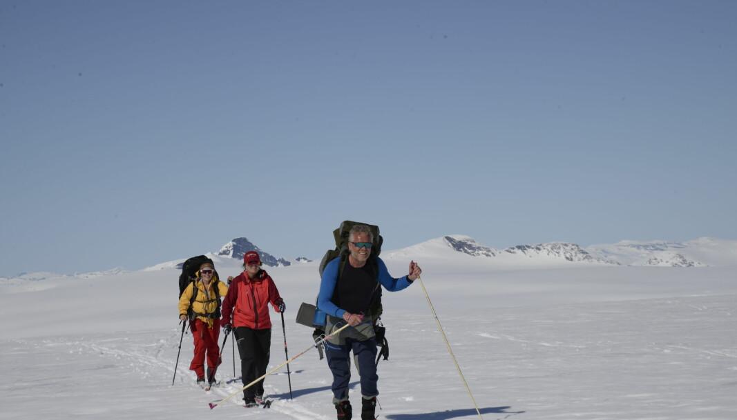 Den lengste motbakken på Jostedalsbreen går opp mot Høgste Breakulen. I bakgrunnen skimtes Lodalskåpa.