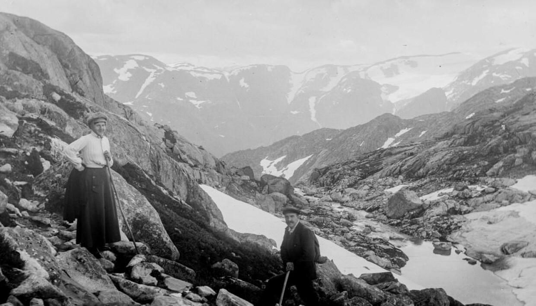 Fottur ved Folgefonna fotografert i 1905.