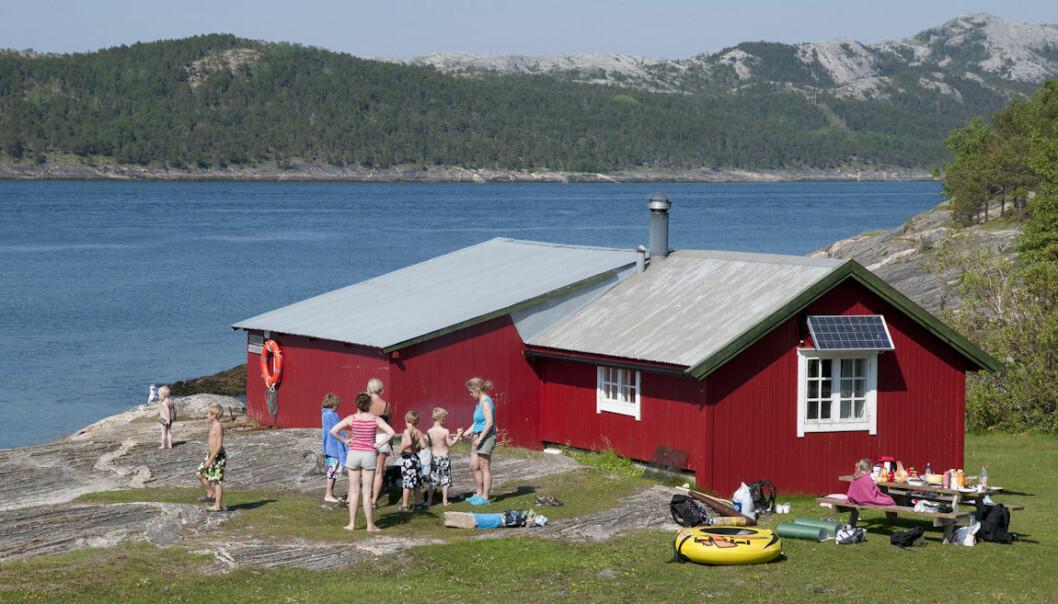 """<span class="""" italic"""" data-lab-italic_desktop=""""italic"""">På riktig varme sommerdager er Gjælentunet ved Bodø et riktig godt sted å være.</span>"""