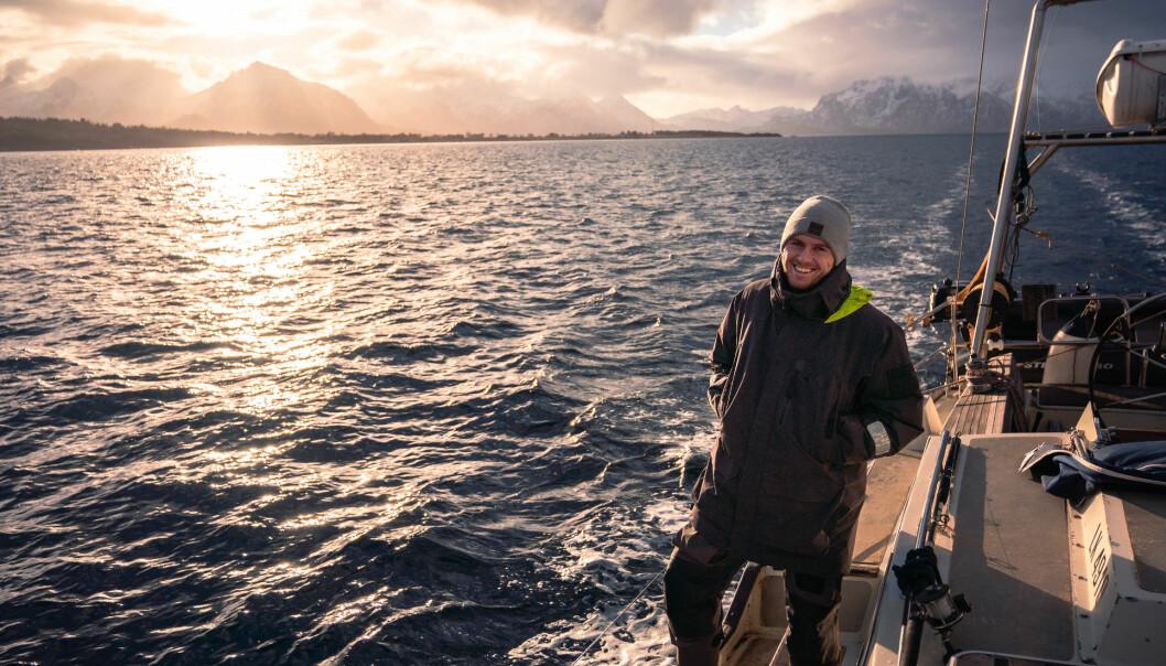 """<span class="""" italic"""" data-lab-italic_desktop=""""italic"""">Eventyrer Mats Grimsæth anbefaler de som ikke kjenner havet om å dra dit, for å se bølgene bryte og kjenne på kreftene.</span>"""