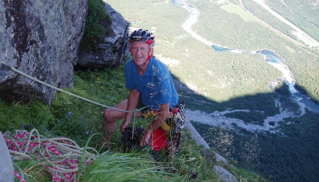 """<span class="""" italic"""" data-lab-italic_desktop=""""italic"""">Den meritterte klatreren Ralph Høibakk (84) utfordrer seg selv hele tiden, alderen til tross.</span>"""